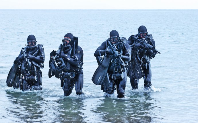 Bulletproof Mind: 6 Techniques for Mental Resilience from the Navy